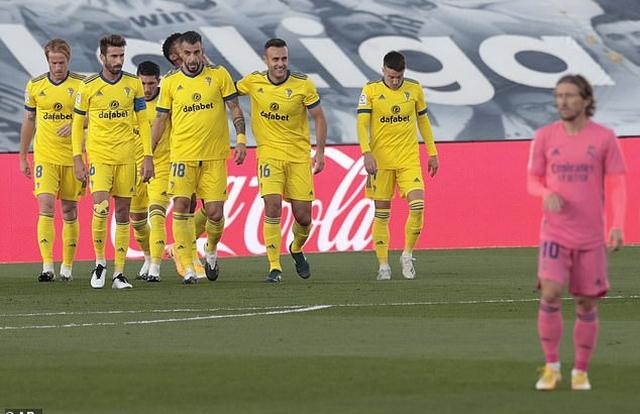 Real Madrid thua sốc trước đội mới lên hạng tại Bernabeu