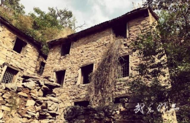 Những câu chuyện ma quái ở ngôi làng Phong Môn, Trung Quốc