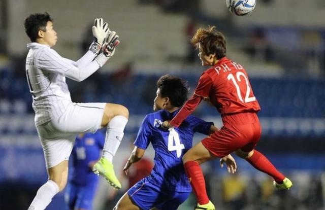Gay cấn tranh vé World Cup giữa Việt Nam với Thái Lan