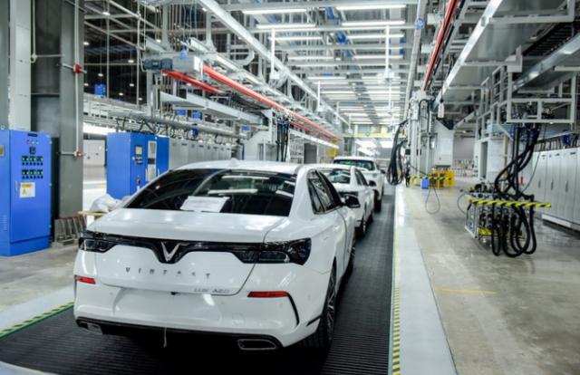 """Tin kinh tế 6AM: VinFast nộp ngân sách 5.000 tỷ đồng, Honda và Toyota """"giảm sâu"""""""