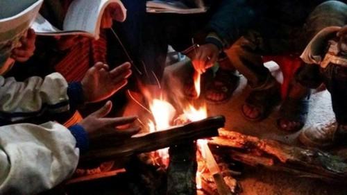 Cảnh báo ngộ độc do dùng than củi sưởi ấm