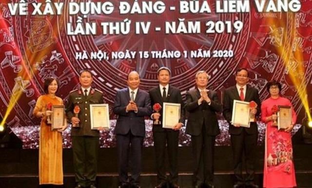 Tôn vinh tác phẩm báo chí xuất sắc về công tác xây dựng Đảng