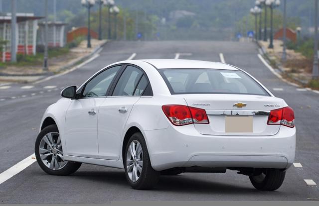 Tin kinh tế 6AM: Chọn mua ô tô cũ để đi chơi Tết với 300 triệu