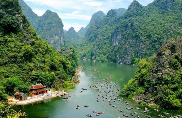 """Lộ """"sân sau"""" của doanh nhân 9X được giao lập quy hoạch khu du lịch tỷ USD ở Ninh Bình"""