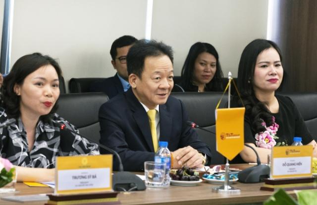 Bộ trưởng Ngoại giao Cộng hòa Bờ Biển Ngà Marcel Amon đến thăm và làm việc tại T&T Group