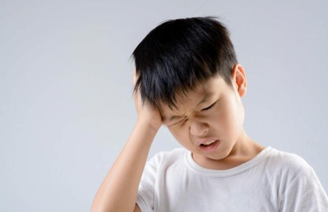 Các cách xử lý khi trẻ bị đau đầu