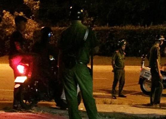 Phú Quốc: Cảnh sát nổ súng thị uy nhóm côn đồ quậy phá gia đình bị đuổi khỏi Villa
