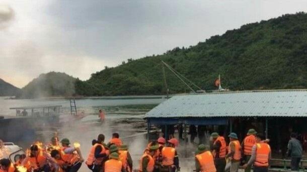 Nhiều cán bộ bị thương do dân ném bom xăng khi đang cưỡng chế ở Vân Đồn