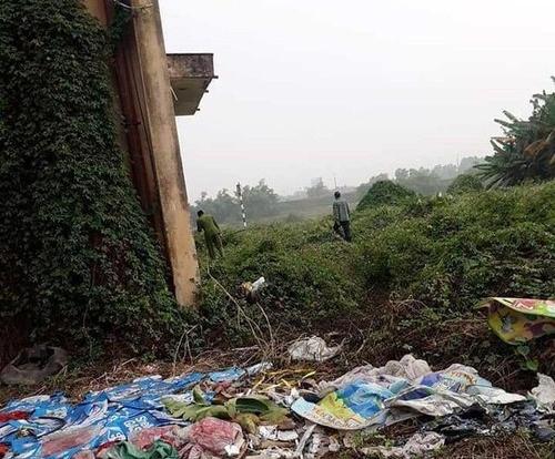 Bàng hoàng phát hiện thi thể người phụ nữ với nhiều vết đâm trong bãi rác ở Bắc Giang