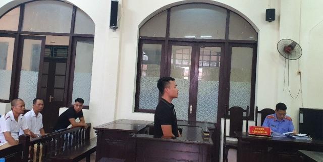 Trả hồ sơ điều tra lại vì có dấu hiệu bỏ lọt tội phạm trong vụ cố ý gây thương tích ở KCN Thạch Thất - Quốc Oai!