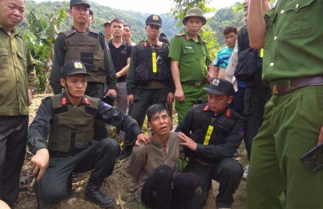 Sơn La: Bắt khẩn cấp đối tượng dùng dao chém bố đẻ tử vong, sau 5 giờ bỏ trốn trên rừng