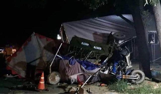 Đi xe ba gác về quê tránh dịch, 5 người trong một gia đình bị xe tải tông thương vong