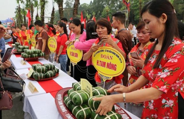 Lễ hội Đền Hùng 2019: Đặc sắc thi gói bánh chưng, bánh giầy