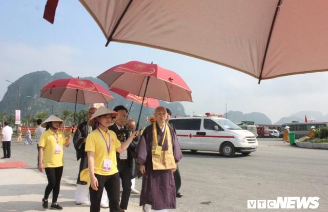 Nét đẹp tình nguyện viên tại Đại lễ Phật đản Vesak 2019