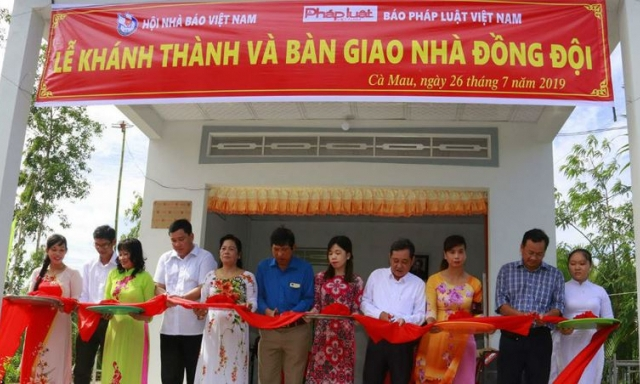 Báo PLVN trao tặng nhà mới cho gia đình Anh hùng liệt sỹ, Nhà báo Nguyễn Mai