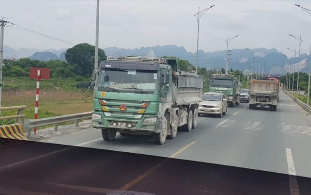 Hà Nam: Xe quá tải, cơi nới thả ga tàn phá hạ tầng giao thông