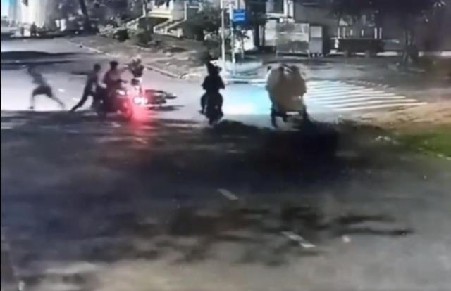 TP HCM: Bắt giữ 1 đối tượng trong băng nhóm tấn công đôi nam nữ cướp xe máy trong đêm