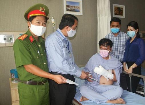 Bảo vệ dân phố bị trọng thương khi truy bắt tội phạm ma tuý