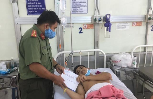 Trao tặng 65 triệu đồng cho chiến sỹ Công an tỉnh Đồng Nai bị trọng thương khi làm nhiệm vụ
