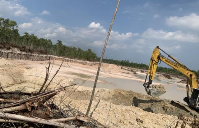 Nạn trộm cát và sự lúng túng của chính quyền ở Bình Thuận