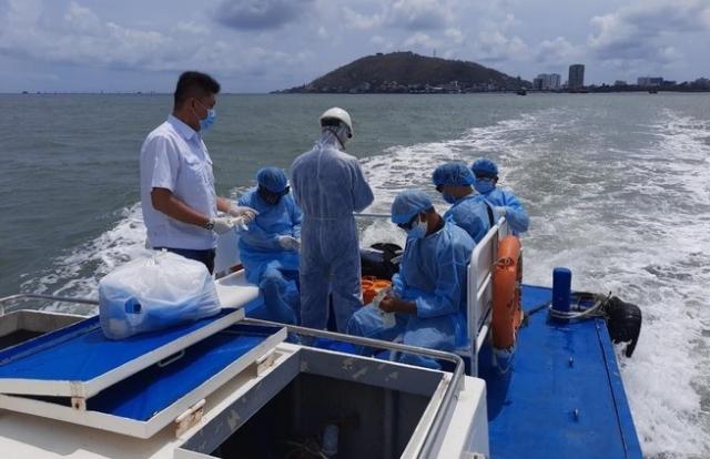 Bà Rịa - Vũng Tàu: 5 người trên tàu Indonesia dương tính với COVID-19