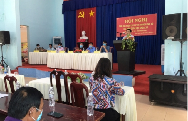 Người ứng cử đại biểu Quốc hội khóa XV tiếp xúc với cử tri Nhơn Trạch