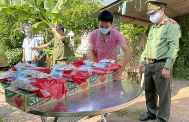 Huyện ủy Long Thành tri ân các lực lượng tuyến đầu chống dịch