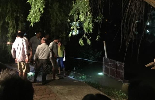 Hà Nam: Ông nội mắc kẹt trong cống thoát nước khi nhảy xuống hồ cứu cháu gái