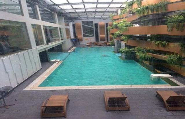 Bể bơi chung cư: Tung chiêu 'câu khách' rồi thả nổi?