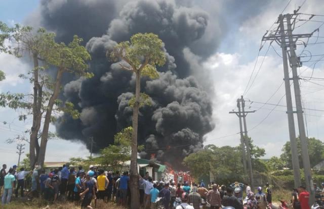 Cháy dữ dội tại khu công nghiệp Tây Bắc Ga