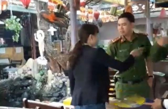 Đà Nẵng: Quán chay bị đập phá, phong tỏa trái phép trước mặt Công an phường?
