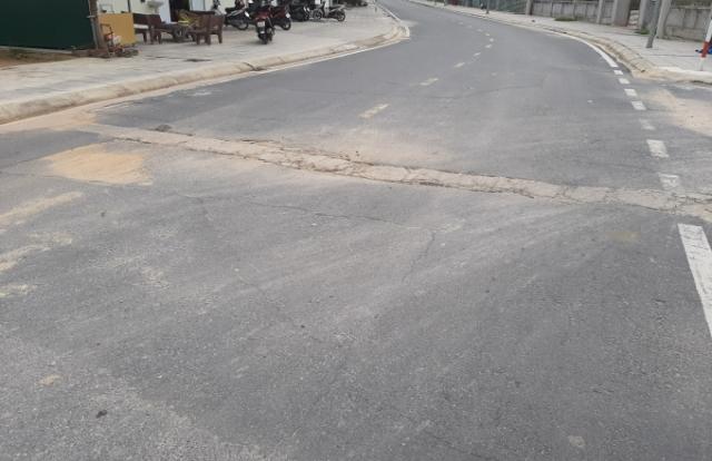 Quảng Ninh: Tuyến đường vừa đưa vào sử dụng đã xuất hiện nhiều vết nứt, ổ voi, ổ gà chằng chịt