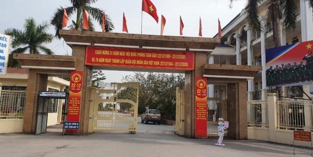 """UBND TP Hà Nội giao Công an vào cuộc vụ nghi vấn """"bảo kê"""" cho chợ nông sản có thu phế tiểu thương"""