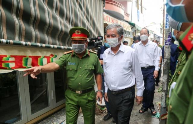 Lãnh đạo TP HCM thăm hỏi gia đình trong vụ hỏa hoạn khiến 8 người tử vong