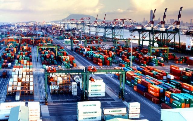 """Điểm báo ngày 9/3/2018: Logistics Việt Nam thênh thang cơ hội nhưng khó bề """"cất cánh"""""""