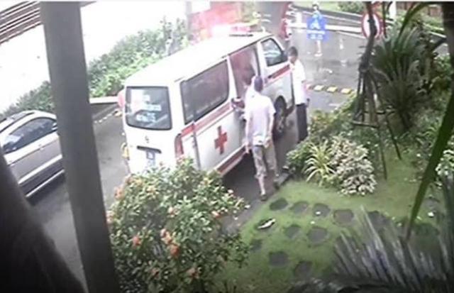 Chặn xe cấp cứu, bệnh nhân đột quỵ chết: Xe phải chặn, sống chết mặc kệ