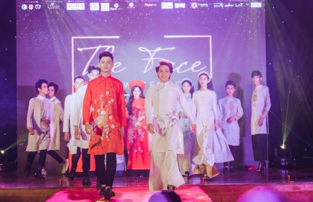 """Ngất ngây với bộ sưu tập áo dài Hoa Nguyệt Điểu tại cuộc thi """"The Face of Law"""" của NTK Lan Anh Lê"""
