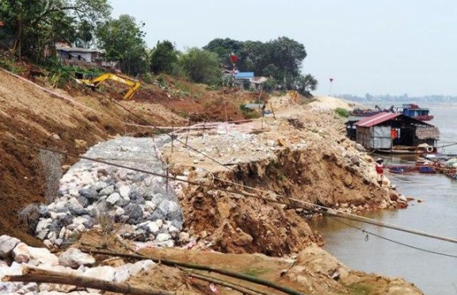 Hà Nam: Chọn xong nhà thầu thực hiện gói thầu xử lý sạt lở đê hơn 94 tỷ đồng