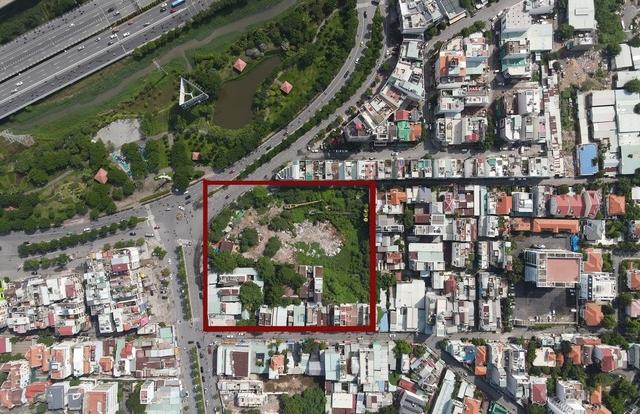 TPHCM: 3 hộ dân mòn mỏi chờ đợi quyền sở hữu mảnh đất 11.000m2