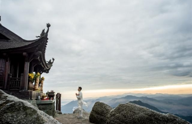 Top điểm đến tâm linh đẹp ngoạn mục tại Quảng Ninh