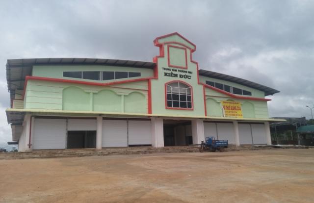 Địa ốc 24h: Dự án Trung tâm thương mại Kiến Đức xây chợ trá hình?