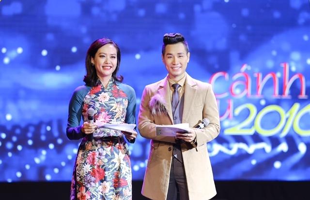 """MC Nguyên Khang """"cứu nguy"""" cho Cánh Diều 2016"""