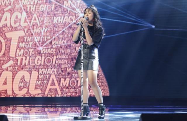 """Hết """"Tập làm mưa"""", Tường Vy đưa khán giả đến """"Một thế giới xa lạ"""" bay bổng như dream pop"""