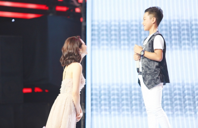 """Cậu bé 11 tuổi thần tượng cố nhạc sĩ Trần Lập gây xúc động mạnh khi hát ca khúc """"Tâm hồn của đá"""""""