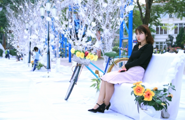 """Lạc vào khu vườn cổ tích trắng xóa tại lễ hội """"Vui Giáng Sinh - Chào năm mới 2019"""""""