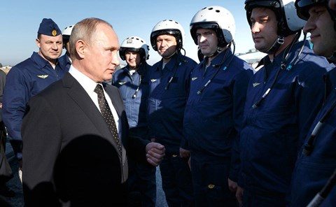 Tổng thống Putin đến Syria ăn mừng chiến thắng IS