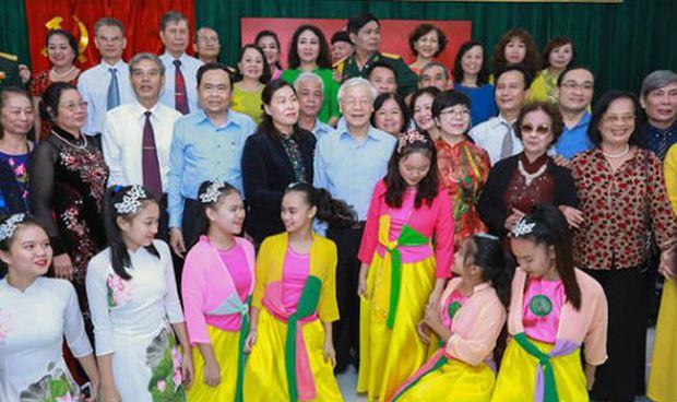 Tổng Bí thư, Chủ tịch nước mong muốn người Hà Nội luôn thanh lịch, văn minh, hiện đại