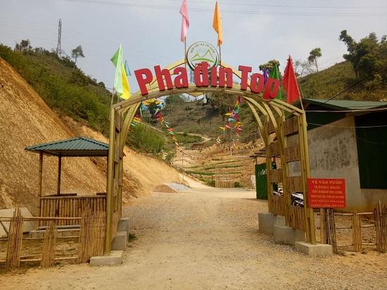 Chiêm ngưỡng cảnh đẹp hoang sơ trên đỉnh đèo Pha Đin huyền thoại