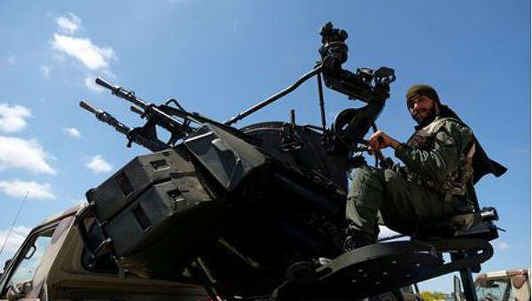 Không kích dữ dội ở thủ đô Libya