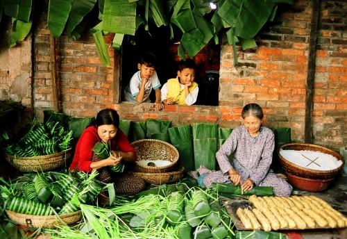 Tết Việt, nhắn ai giữ giùm những lãng quên!